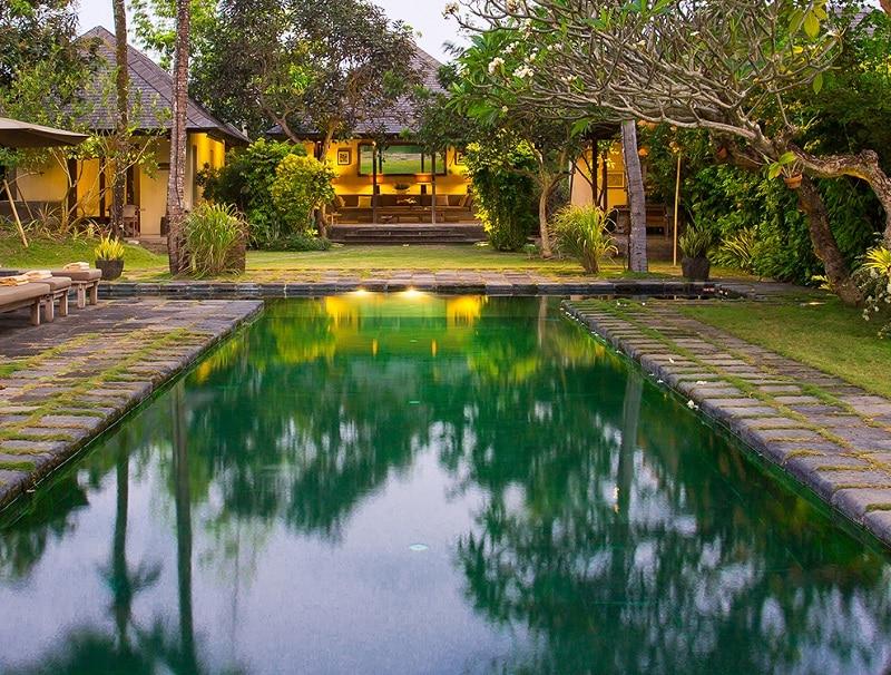 villa-bali-canggu-piscine