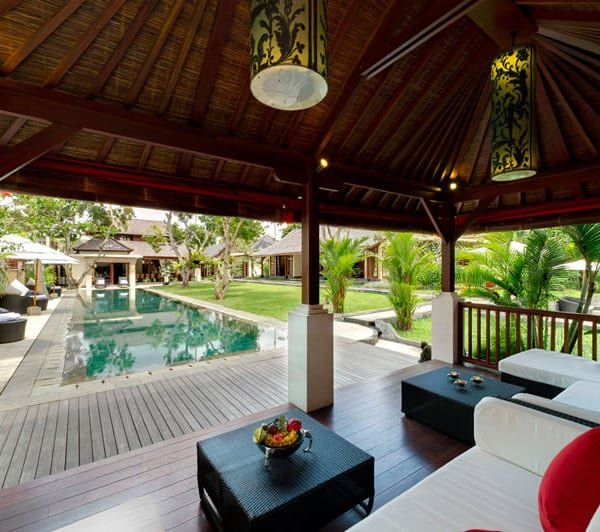 Luxe et détente avec vue piscine