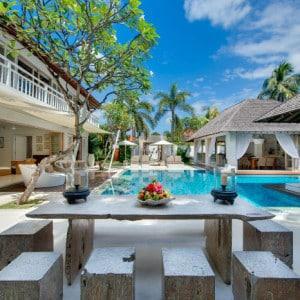 Villa Bali au style colonial