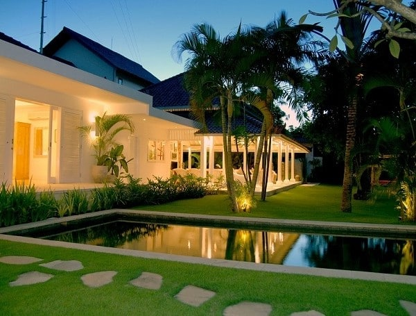 Piscine de nuit villa Bali Seminyak